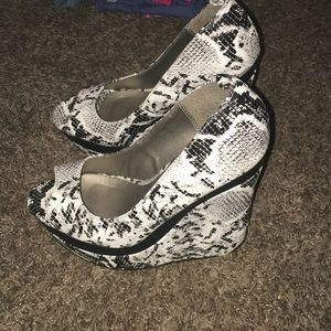 Sexy wedges!